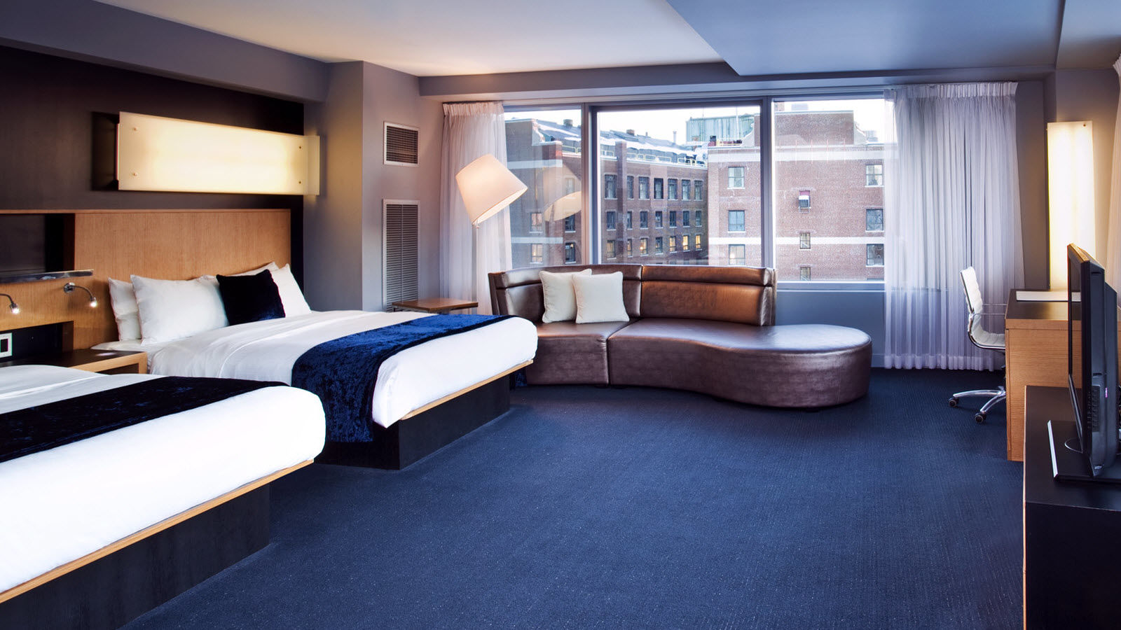 Hotel Rooms in Boston - Mega Room